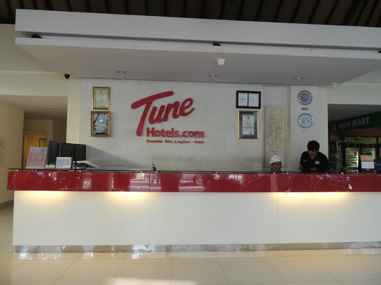 Tune Hotel - Double Six, Legian: Lobby