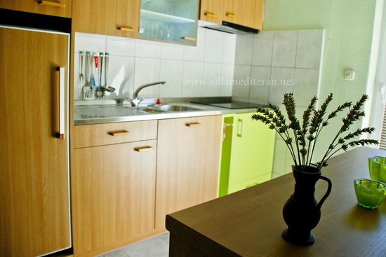Okrug Gornji, Croatia: Villa Mediteran, one of the kitchens