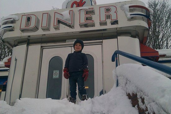 Northophall, UK: Snow at OK Diner