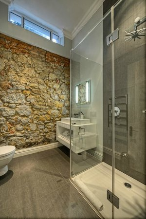 The Three Boutique Hotel: Bathroom
