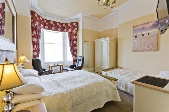 Lauriston Court Hotel: Sea facing Room 4