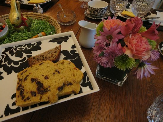 South Court Inn Bed and Breakfast: Sunday's gluten-free, dairy-free cherry bread!