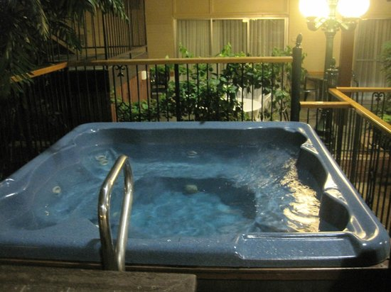 BEST WESTERN PLUS Cairn Croft Hotel: Hot Tub