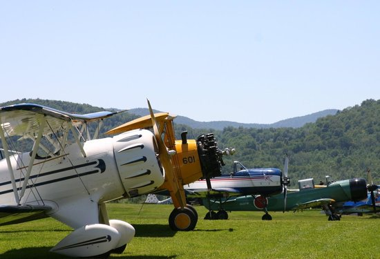 Waren, VT: Warren-Sugarbush Airport Stars &amp; Stripes Airshow