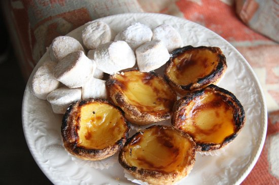 Mercearia da Vila: Portuguese natas - to die for!