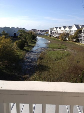 Water&#39;s Edge Inn at Folly Beach: Daytime marsh view from The Atlantic Room