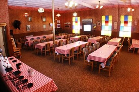 Comfort Inn Buffalo Bill Village: Sarsaprilla Saloon - breakfast served in the summer