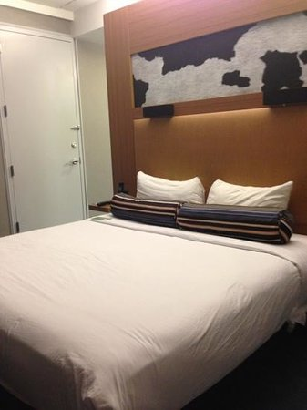 aloft Las Colinas: Bedroom area