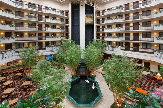 Embassy Suites Dulles Airport