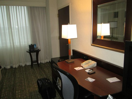 Philadelphia Airport Marriott: Set up to comfortably work in your room