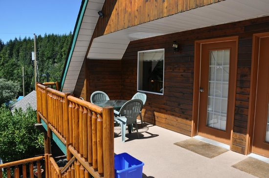 Trailhead Resort: Balcony in main building by the suites