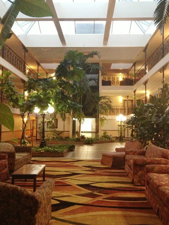 The Alabama Hotel: Beautiful Atrium