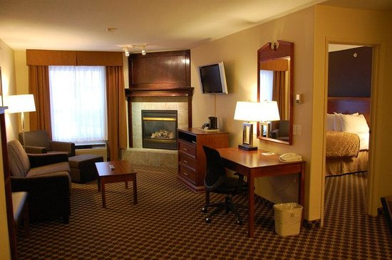 BEST WESTERN Strathmore Inn: Corporate Suite
