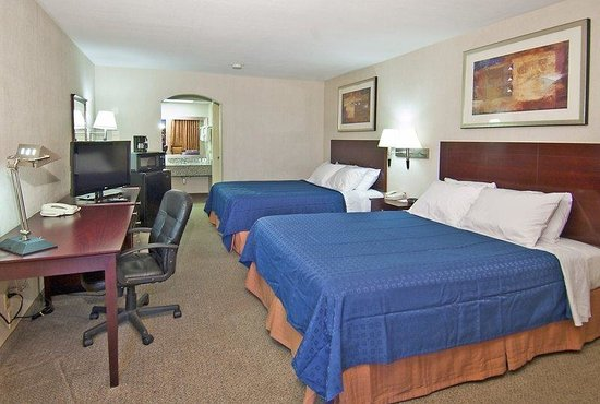 BEST WESTERN Inn of Carthage: Double Guest Room