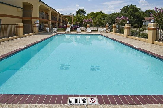 ‪‪BEST WESTERN Inn of Carthage‬: Pool‬