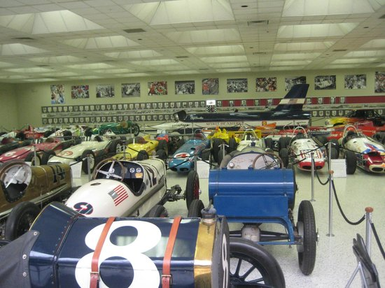 Standing in the winner 39 s circle felt almost sacrilegious for Indianapolis motor speedway museum
