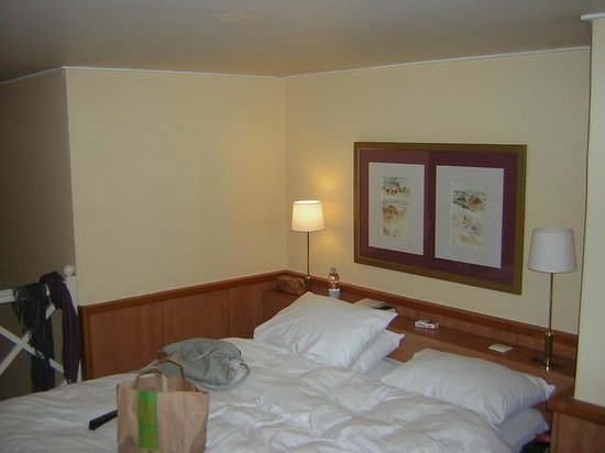 BEST WESTERN Ronceray Opera : zona letto