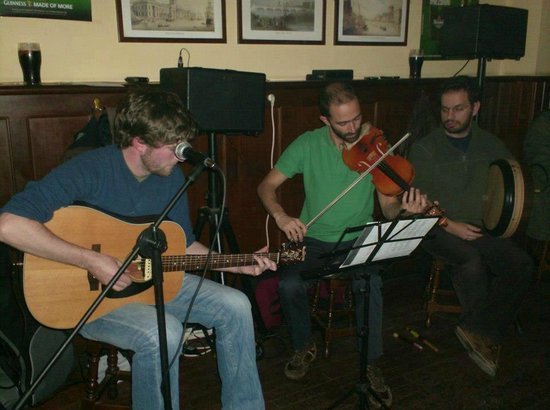 Porto District, Portugal: Live irish music