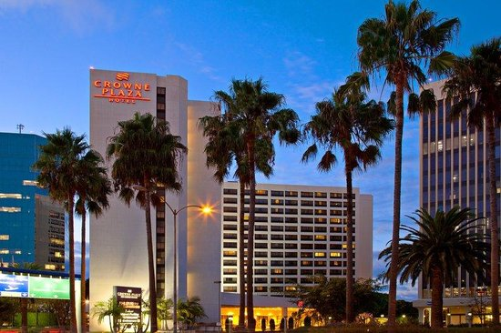 Crowne Plaza Los Angeles International Airport Hotel: Hotel Exterior