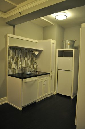 Inn at the Park: Kitchen Room#414