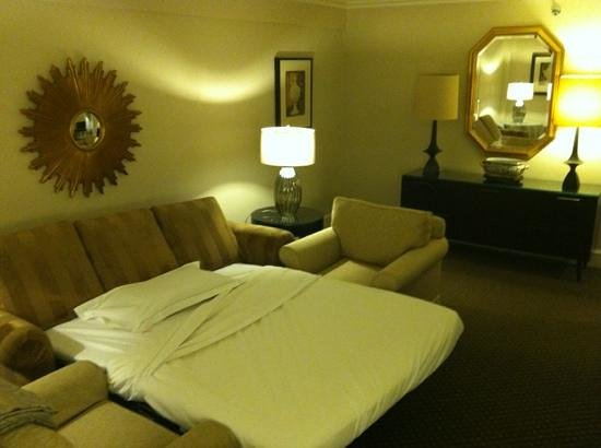 Eliot Hotel: outer room of the suite