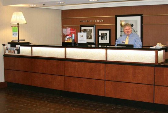 Valley Park, MO: Front Desk