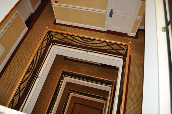 Taksim Metropark Hotel: View from the stairs