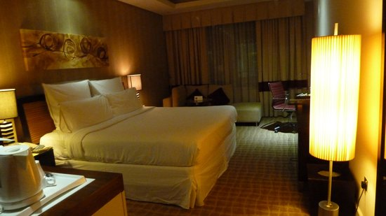 Four Points by Sheraton Bur Dubai: Our room