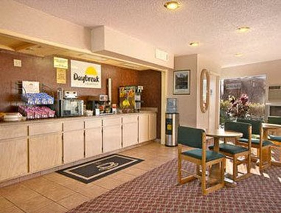Days Inn Fresno North: Breakfast Area