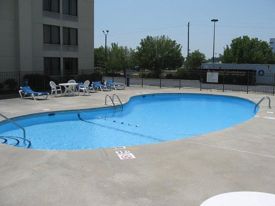 Holiday Inn Express Jacksonville: Pool has been reconstructed and ready for you!
