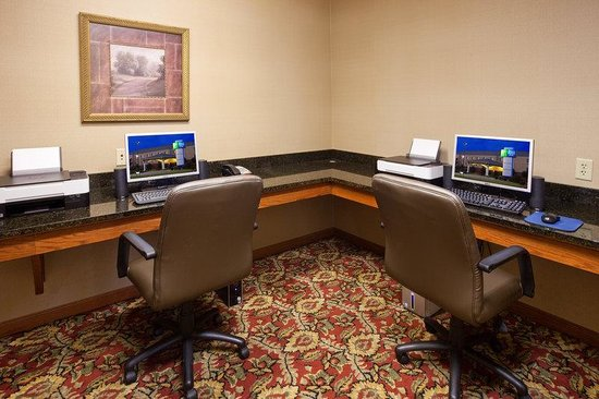 Holiday Inn Express Lonoke: Business Center