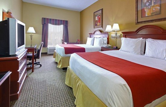 Holiday Inn Express Southaven: Guest Room