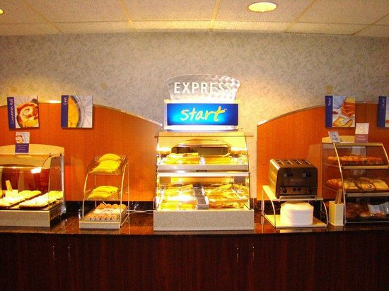 Sturtevant, WI: Breakfast Bar