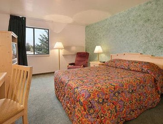 Super 8 Motel: Standard Queen Bed Room