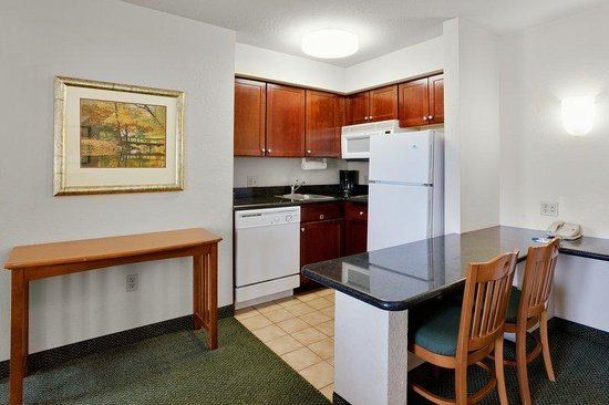 Staybridge Suites Allentown West: One Bedroom Suite