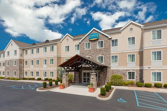 Staybridge Suites Allentown West: Hotel Exterior