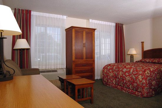 Staybridge Suites Allentown West: Suite