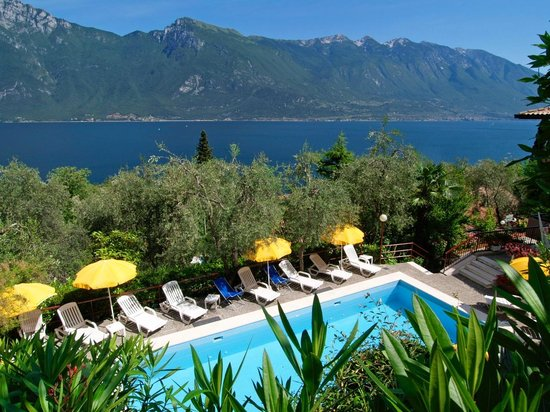 Photo of Hotel La Gardenia Limone sul Garda