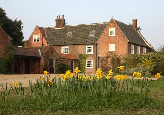 Fritton, UK: Back view of hotel