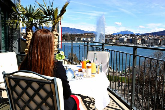 Terrace view of lake geneva picture of le richemond for Le richemond le jardin