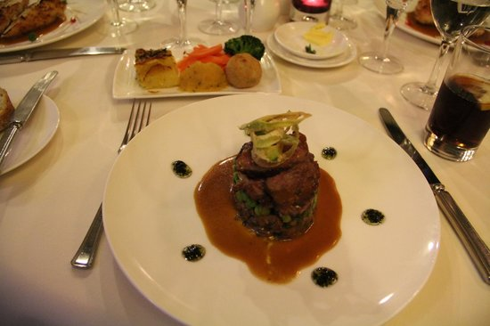 Cowbridge, UK: Welsh lamb - Excellent!