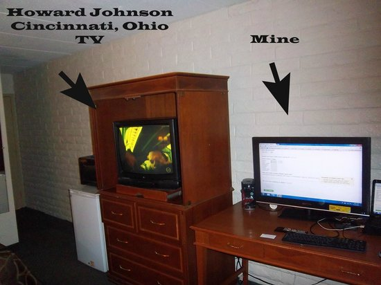 Howard Johnson Inn Cincinnati: Bring your own TV