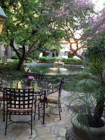The Langham Huntington, Pasadena, Los Angeles: courtyard