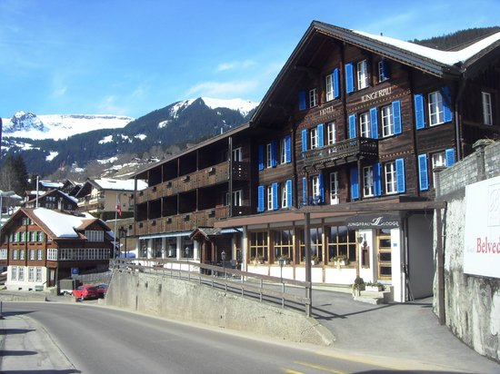 Jungfrau Lodge Swiss Mountain Hotel: Front of hotel