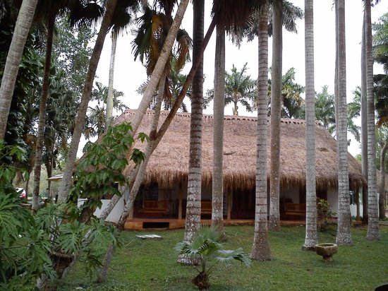The Lodge at Chichen Itza: Resort souvenir and convinience shop