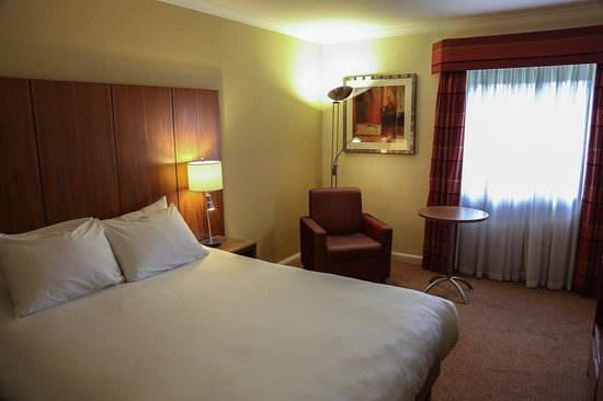 Hilton Milton Keynes: A typical room