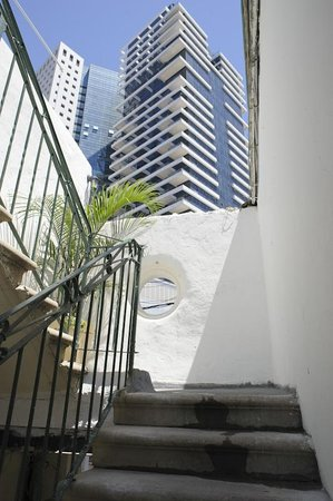Villa Vilina Oasis in Neve Tzedek: Stairs to the RoofTop