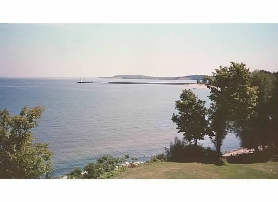 Sodus Point, Nueva York: View of Sodus Bay from Lighthouse grounds