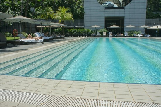 Pool Area Picture Of The Ritz Carlton Millenia Singapore Singapore Tripadvisor