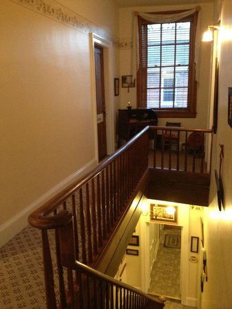 Farmers' Guest House: Top of the back staircase looking at the Jennie